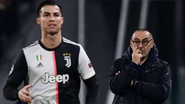 Sarri nhiều khả năng phải rời ghế HLV của Juve